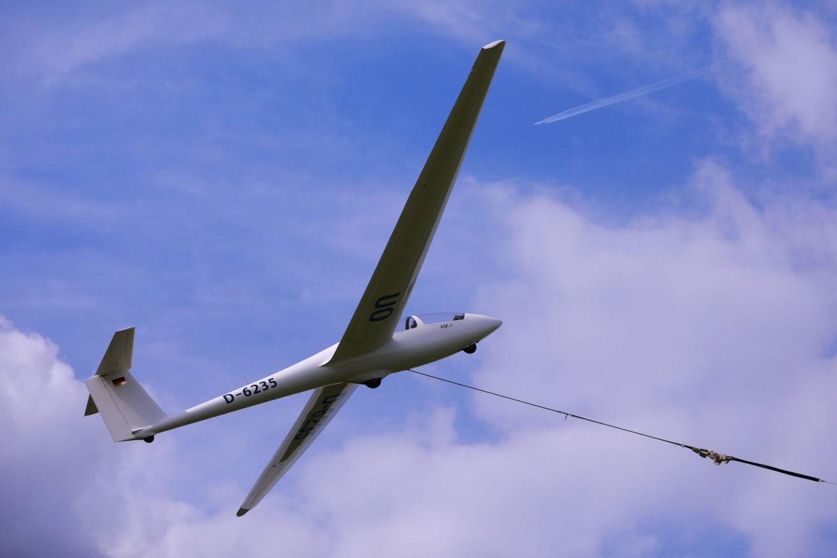 Segelflugzeug ASK21 am Flugplatz Hengsen-Opherdicke